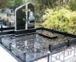 Плитка на кладбище из черного гранита