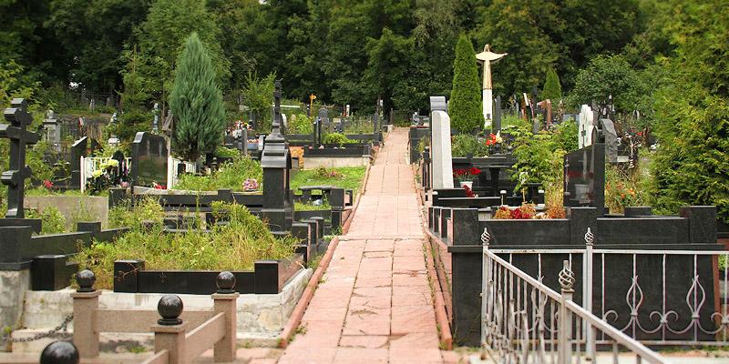 Изготовление элитных комплексов на Алабушевском кладбище в Москве. Элитные комплексы отличаются от простых своей индивидуальностью и изысканностью.