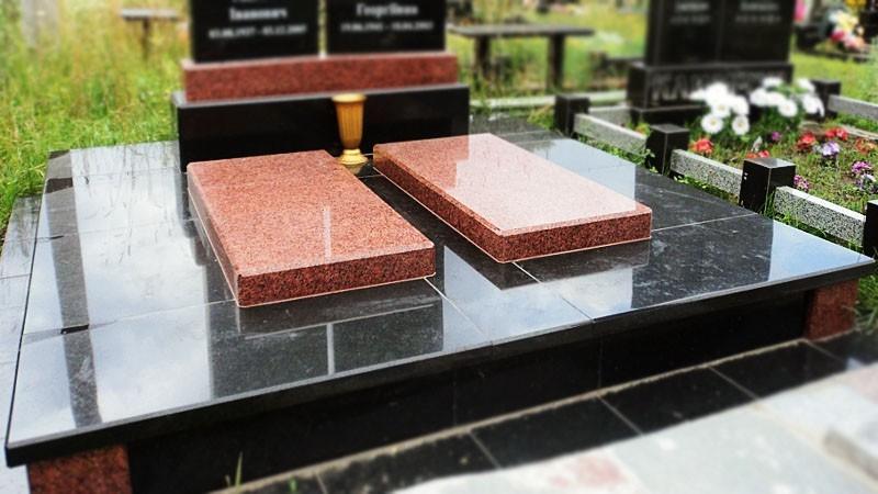 Облицовка могилы гранитной плиткой