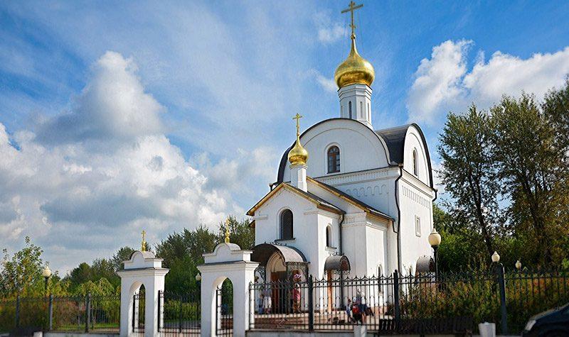 Изготовление памятников в Подольске. Наша компания не является посредником, поэтому ценовая политика на памятники из гранита – самая низкая в регионе.