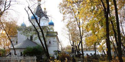 Изготовление элитных комплексов на Вешняковском кладбище в Москве. Гранитный элитный комплекс с установкой на Вешняковском кладбище от завода-изготовителя.