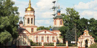 Изготовление элитных комплексов на Алтуфьевском кладбище в Москве. Компания Траст Гранит готова воплотить в реальность любую идею в мемориальной композиции.
