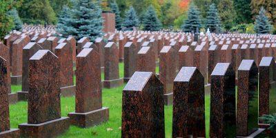 Изготовление элитных памятников на Преображенском кладбище в Москве. Гранитный комплекс с установкой на Преображенском кладбище от завода-изготовителя.