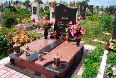 Изготовление памятников из гранита на кладбище в Москве