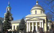 Изготовление элитных памятников на Пятницком кладбище в Москве. Гранитный комплекс с установкой на Пятницком кладбище от завода-изготовителя.