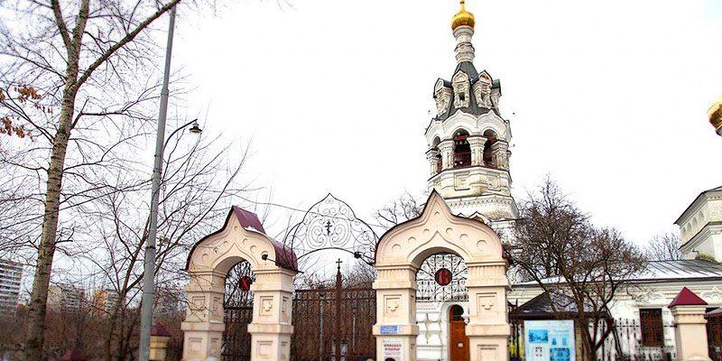 Изготовление элитных памятников на Черкизовском кладбище в Москве. Гранитный комплекс с установкой на Черкизовском кладбище от завода-изготовителя.